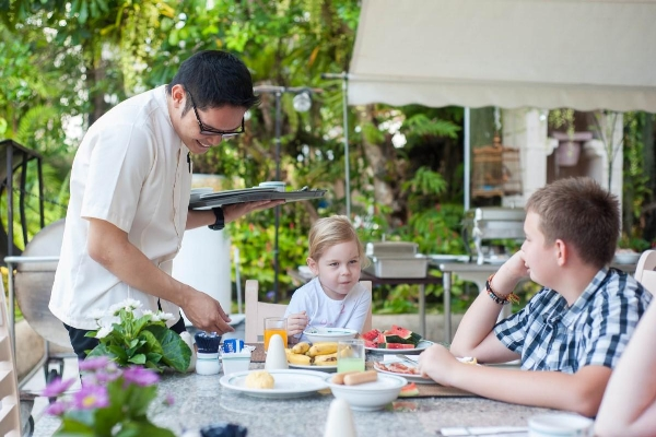 Up to one(1) child below 12 years of age, stay and eat for free from the kids menu when dining with parents