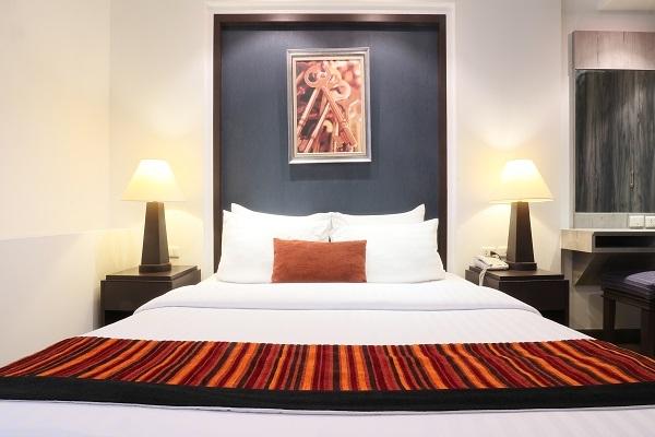 One Bedroom Suite Premium