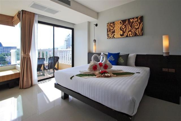 Deluxe (Pool View) Room