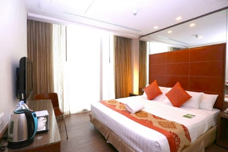 Amber Deluxe Room Only [Complimentary Breakfast - Exclusive Official Site]