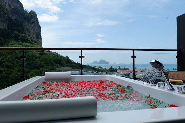 Family Rooftop Jacuzzi