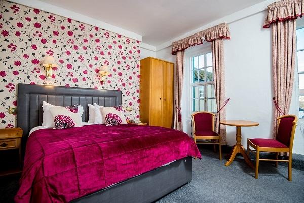 Double Room Queen Bedded