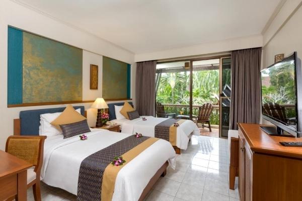 Deluxe Hotel