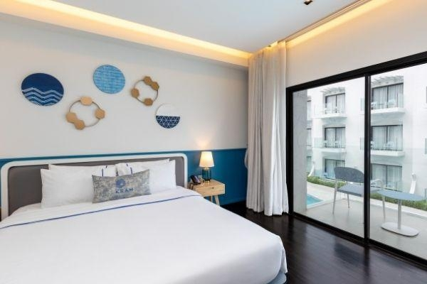 Deluxe Room with Pool View King Bed